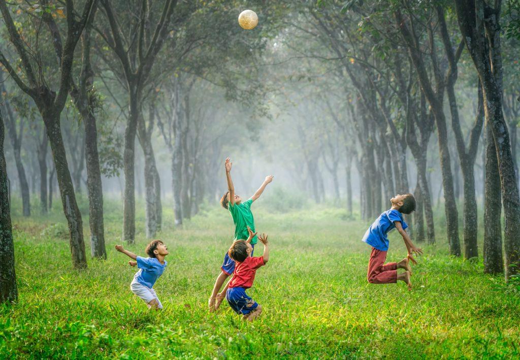 bambini-che-giocano